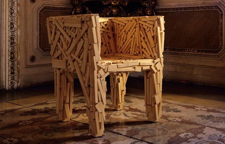 Cadeira Rocinha produzida pelos Irmãos Campana