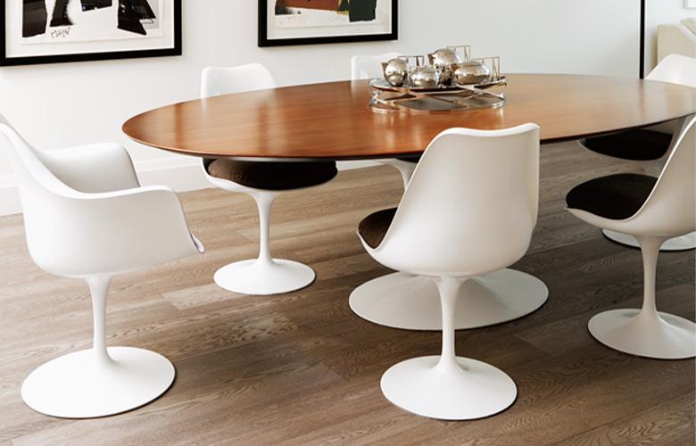 sala de jantar mesa e cadeiras de eero saarinen_pinterest_c-a8124