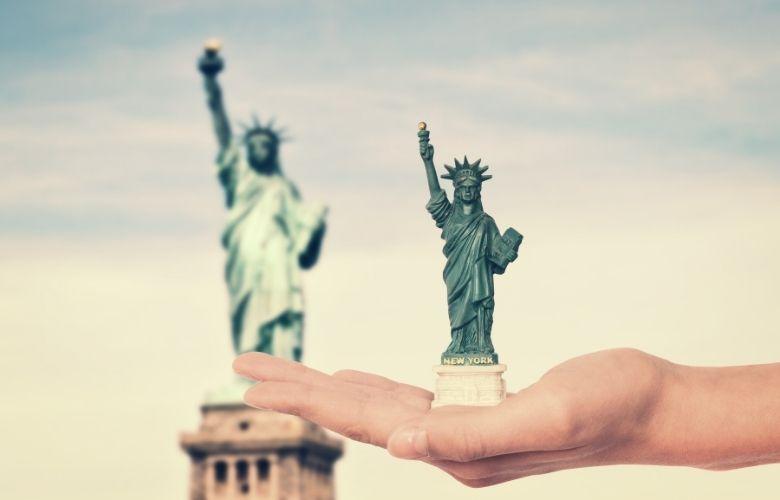 Miniatura da Estátua da Liberdade | westwing.com.br