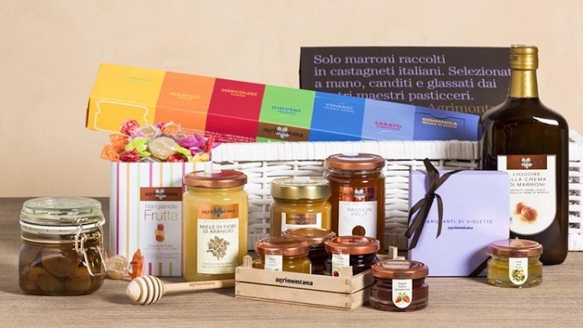 Cesta de Dia dos Namorados com mel, geleias, doces, biscoitos e chocolates | westwing.com.br