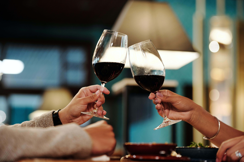 Como Servir Vinho   westwing.com.br