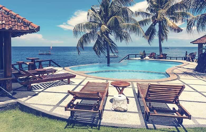 Cadeira de Praia de Madeira   westwing.com.br