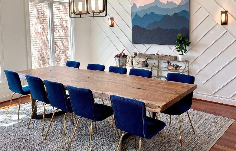 Mesa de Madeira com Cadeiras Coloridas | westwing.com.br