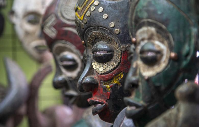Máscara de Madeira   westwing.com.br