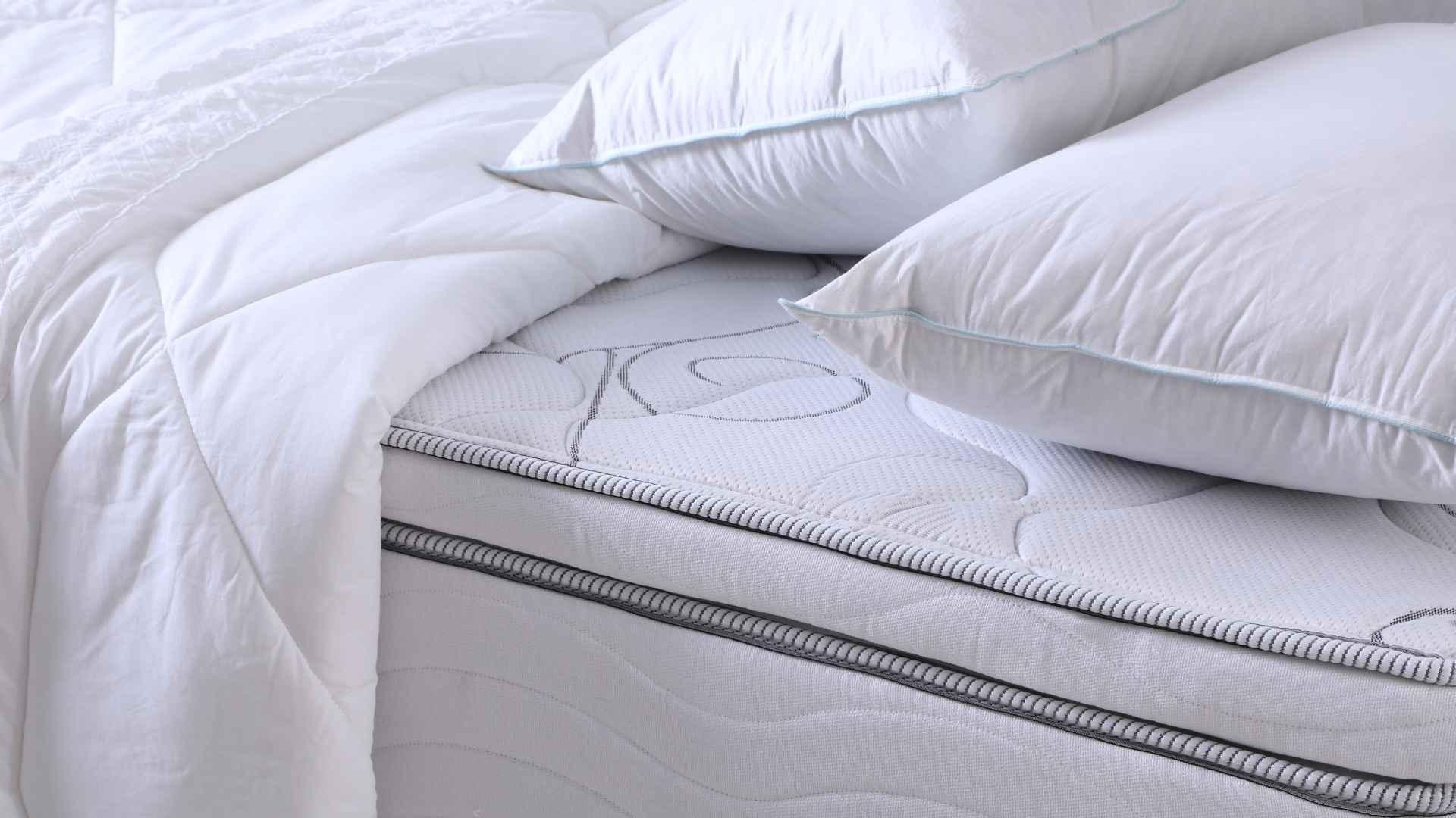 Colchão, edredom e travesseiros | westwing.com.br