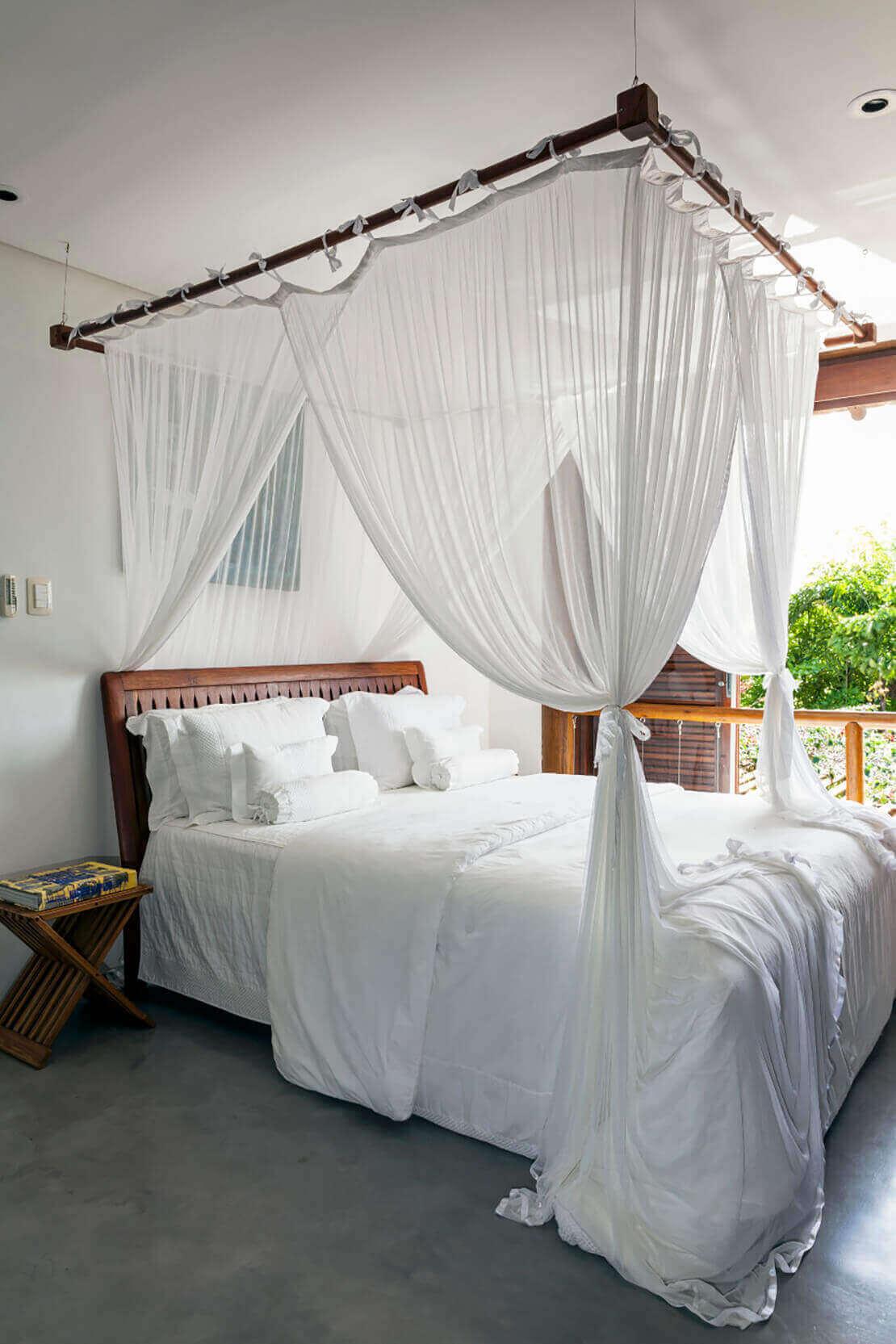 quarto branco e cama com dossel | westwing.com.br