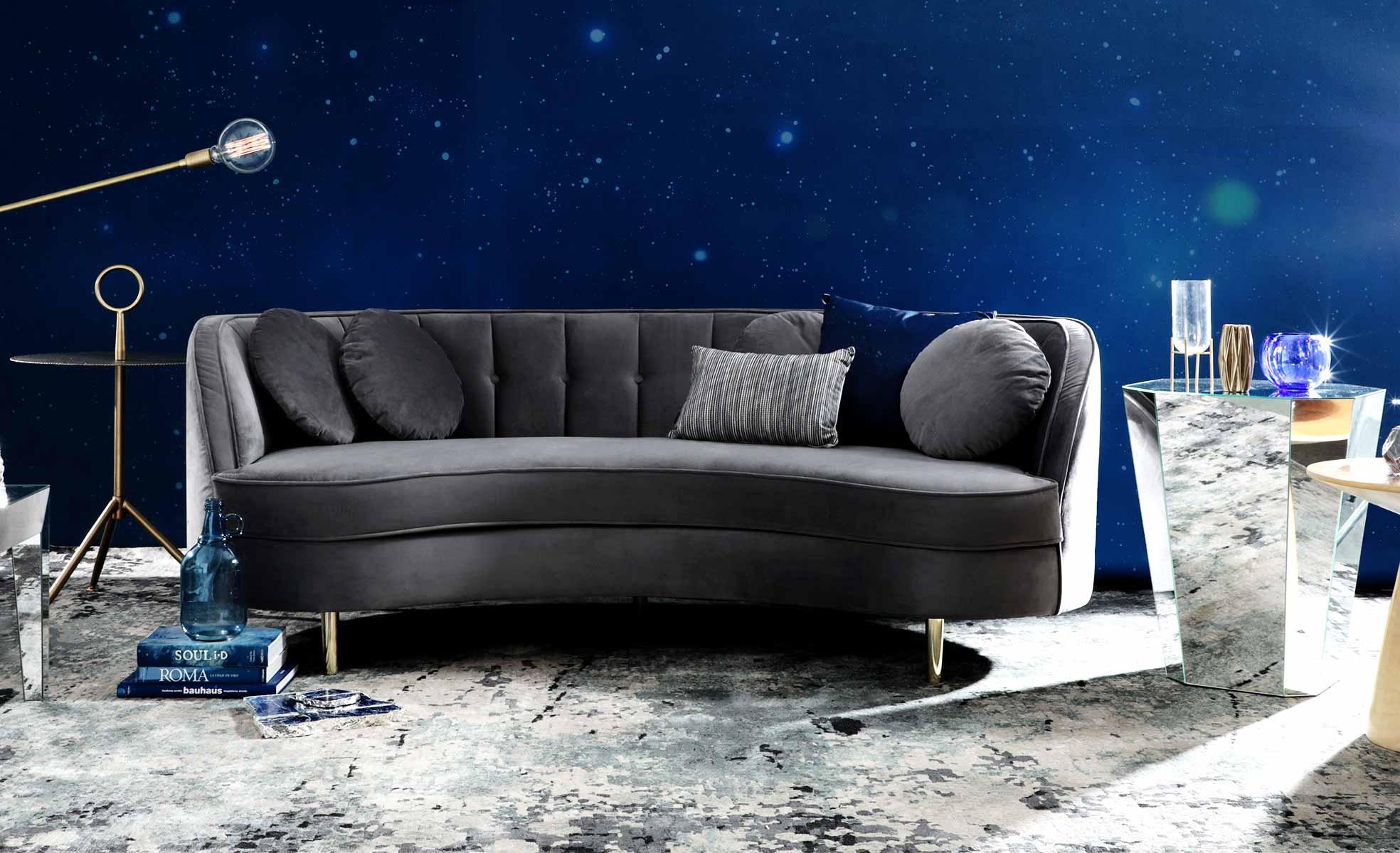 Planos de fundo para vídeochamadas no zoom: Sofá de veludo, mármore na decoração | westwing.com.br