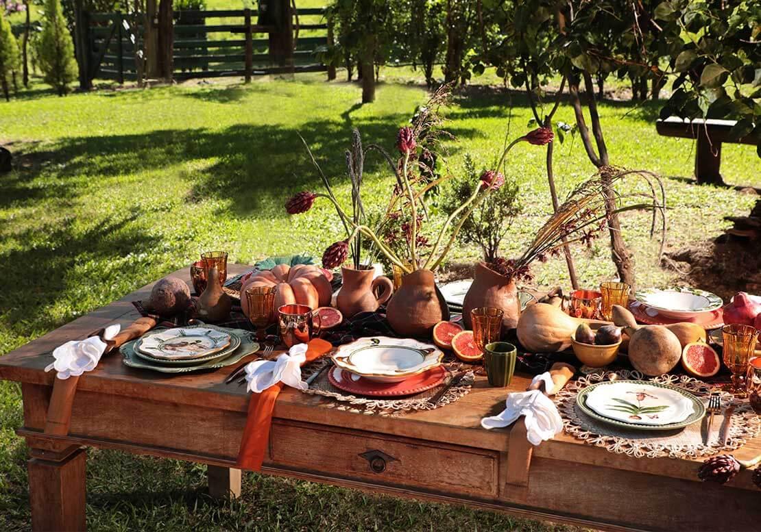 Planos de fundo para vídeochamadas no zoom: com foto de Almoço ao ar livre, mesa no jardim | westwing.com.br