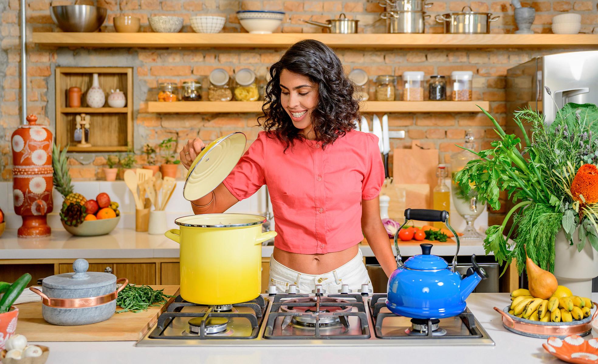 Bela Gil na cozinha | westwing.com.br